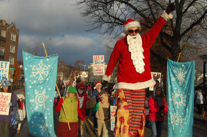 Stilting Santa